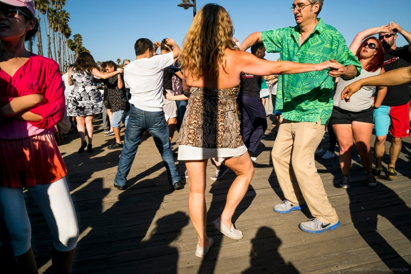Street Photography Santa Cruz Couples Dancing On The Boardwalk